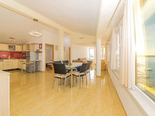 Amazing home in Povljana w/ WiFi and 2 Bedrooms
