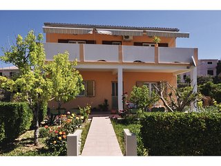 Awesome home in Pag w/ 3 Bedrooms