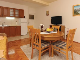 Awesome home in Split w/ WiFi and 2 Bedrooms