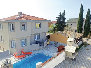 Amazing home in Kakma w/ WiFi and 8 Bedrooms (CDZ957)