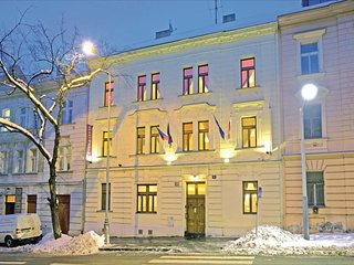 Awesome home in Praha 5-Smichov w/ WiFi and 2 Bedrooms