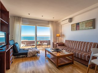 1- BR-Apt. 30th floor with Sea view. City center