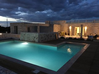 Villa Pietra Pool apartment in Ugento with WiFi, private parking, private terrac