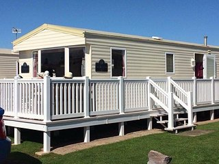 Coveview is a static caravan at Devon cliffs