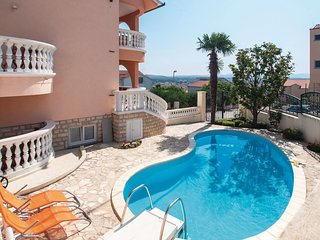 Amazing home in Vodice w/ WiFi and 4 Bedrooms (CDJ127)