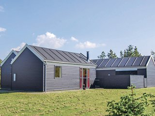Nice home in Logstor w/ Sauna, WiFi and 3 Bedrooms