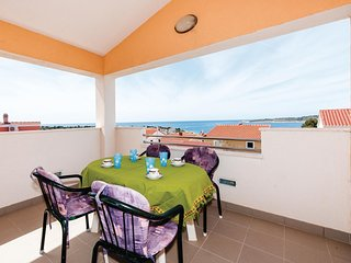 Nice home in Kanica w/ 2 Bedrooms