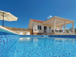 Beautiful home in Krkovic w/ WiFi and 3 Bedrooms