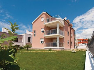 Amazing home in Tribunj w/ WiFi and 3 Bedrooms