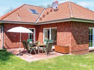 Nice home in Ahrenshagen OT Tribohm w/ 2 Bedrooms (DMV177)