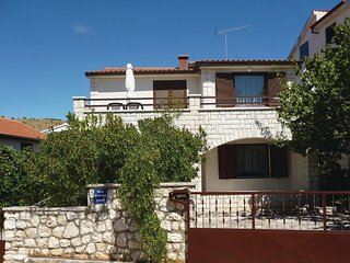 Awesome home in Sibenik w/ WiFi and 3 Bedrooms (CDJ291)