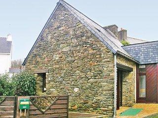 Nice home in Moelan sur Mer w/ 1 Bedrooms