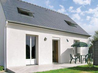 Nice home in Moelan sur Mer w/ 2 Bedrooms