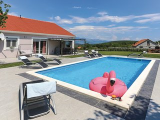 Beautiful home in Sinj w/ WiFi and 4 Bedrooms