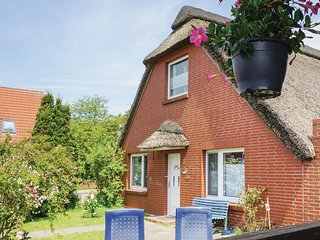 Amazing home in Wurster Nordseekuste w/ WiFi and 1 Bedrooms