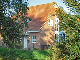 Awesome home in Wurster Nordseeküste w/ WiFi and 3 Bedrooms