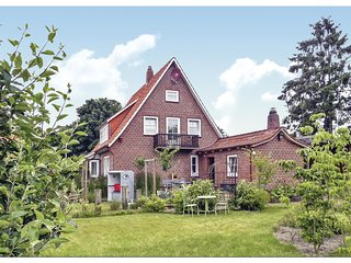 Stunning home in Cadenberge w/ Sauna, WiFi and 3 Bedrooms (DNS156)