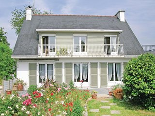 Stunning home in La Foret Fouesnant w/ WiFi and 3 Bedrooms
