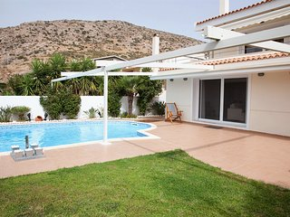 Holiday villa SUNJOY 100m. from the beach.