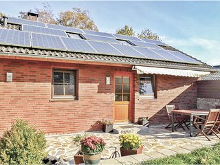 Amazing home in Wurster Nordseekuste w/ WiFi and 2 Bedrooms