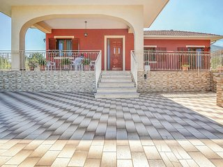Amazing home in Zafferana Etnea w/ WiFi and 3 Bedrooms