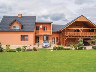 Beautiful home in Kysucky Lieskovec w/ 4 Bedrooms