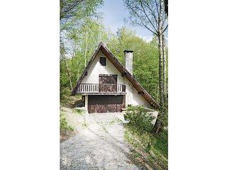 Amazing home in Bukovec w/ 2 Bedrooms