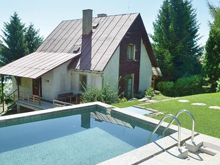 Amazing home in Vrchlabi w/ Sauna, 4 Bedrooms and Outdoor swimming pool