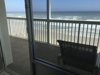 Oceanfront Luxury Studio with lots of extras