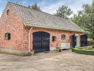 Awesome home in Valkenswaard w/ WiFi and 2 Bedrooms