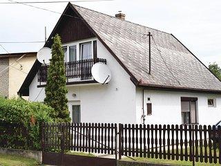 Amazing home in Balatonlelle w/ 3 Bedrooms (UBF146)