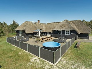Awesome home in Blåvand w/ Sauna, WiFi and 5 Bedrooms