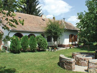 Beautiful home in Ordacsehi w/ 2 Bedrooms