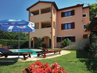 Stunning home in Pula w/ WiFi and 2 Bedrooms