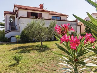 Stunning home in Pula w/ 2 Bedrooms