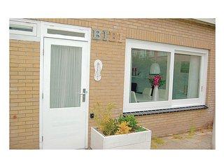 Beautiful home in Egmond aan Zee w/ WiFi and 2 Bedrooms (HNH048)