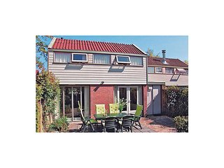Nice home in Warmenhuizen w/ 3 Bedrooms
