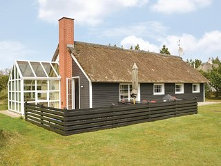Awesome home in Blåvand w/ Sauna, WiFi and 4 Bedrooms (P32322)
