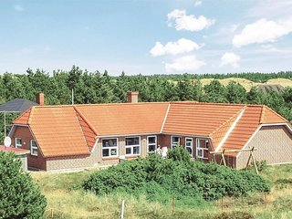 Stunning home in Blåvand w/ Sauna, WiFi and 5 Bedrooms (P32351)