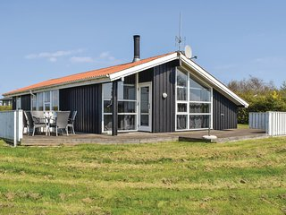 Nice home in Ebeltoft w/ Sauna and 4 Bedrooms