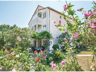 Nice home in Pula w/ WiFi and 3 Bedrooms (CIB293)