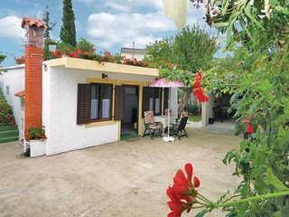 Amazing home in Premantura w/ WiFi and 2 Bedrooms