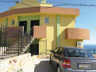 Beautiful home in Balchik w/ 2 Bedrooms