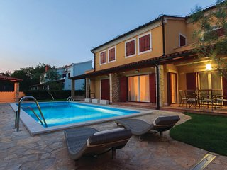 Beautiful home in Volme w/ WiFi and 2 Bedrooms