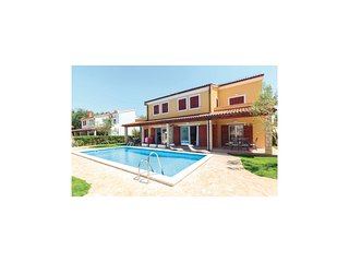 Awesome home in Banjole w/ WiFi and 1 Bedrooms