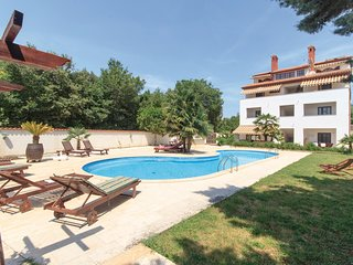 Amazing home in Medulin w/ WiFi and 1 Bedrooms