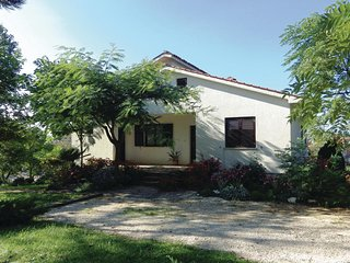 Nice home in Matkici w/ WiFi and 3 Bedrooms