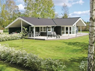 Beautiful home in Ørsted w/ Sauna, WiFi and 3 Bedrooms