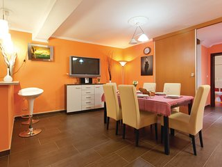 Beautiful home in Vodnjan w/ WiFi and 3 Bedrooms (CIC107)