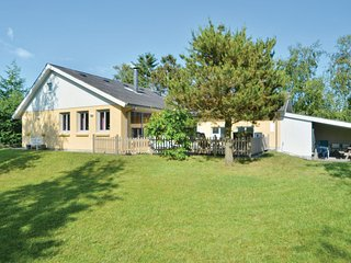 Amazing home in Ebeltoft w/ Sauna, WiFi and 3 Bedrooms (E4631)